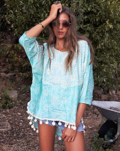 top brodé turquoise