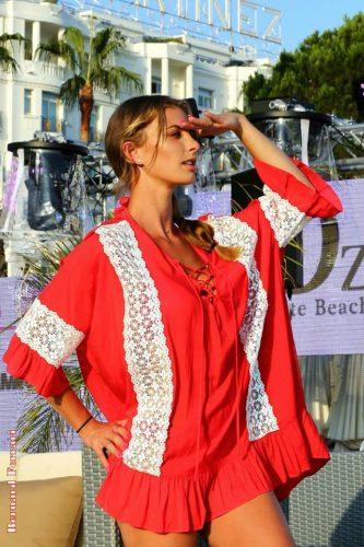 tunique rouge brésilienne