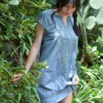 Robe en coton brodé