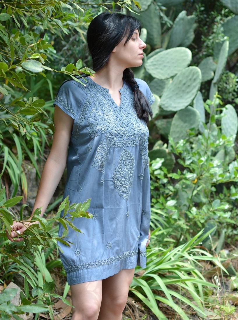 Petite robe coton brodé